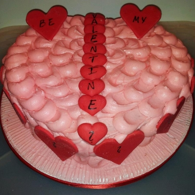 Heart Chaped Valentines Cake