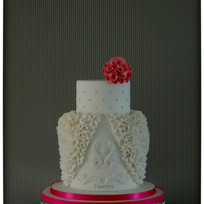 It Was An Honor To Make This Cake For Cake Central Magazine Theme White Wedding