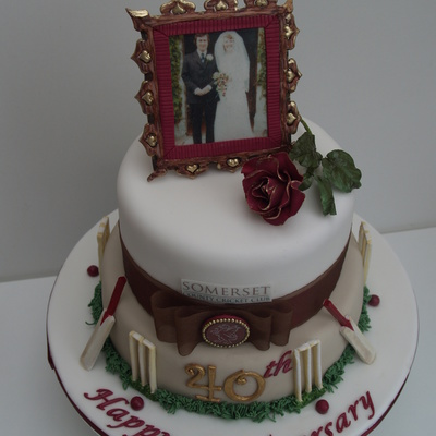 Cricket Themed 40Th Anniversary Cake With Edible Picture And Frame
