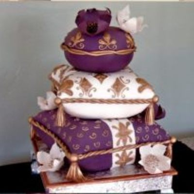 This Cake Was An Inspiration From Rick Of Cakelava Stacks Of Pillows With Edible Flowers