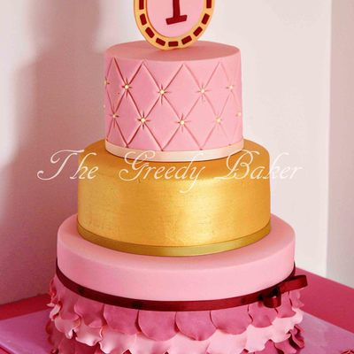 A 3 Tiered Design For A Little Princess Turning 1 I Designed The Cake To Match The Birthday Invitation A 10 8 Amp 6 Combo The Base