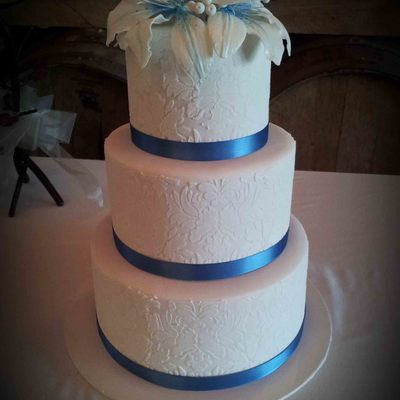A 3 Tiered Wedding Cake From This Past Weekend This Cake A Just A Delight To Create Each Tier Was Created In A Beautiful Damask Design Bef...