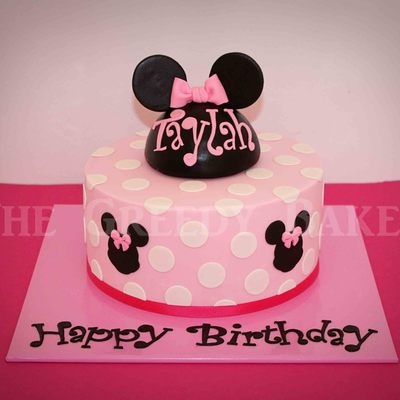 Minnie Mouse Cake Classic Chocolate Cake With Dark Choc Ganache And Fondant Finish The Topper Is A Half Styrofoam Sphere Covered In Black