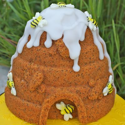 A Lemon Poppyseed And Almond Cake Baked In A Beehive Pan See More At Httpthesugarmiceblogblogspotcouk201307Beehive Cakehtml