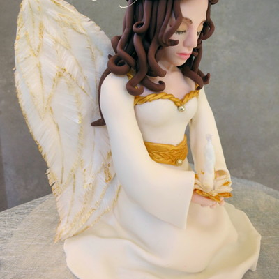 A Prayer For Peace Christmas Angel Cake Topper Made With Fondant Gum Paste And Rice Paper My First Attempt At A More Realistic Figure