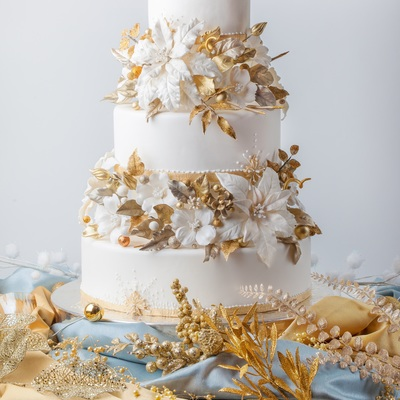 Winter Gold Wedding Cake From Cakecentral Magazine Vol 3 Issue 11 All The Flowers And Decorations On The Cake Are Made Out Of Gum Paste
