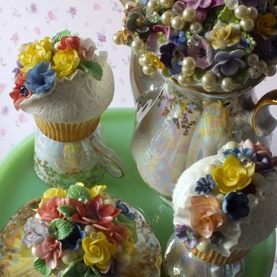 English Country Garden Cupcakes -Fantasy English Flowers On White Lace Fondant