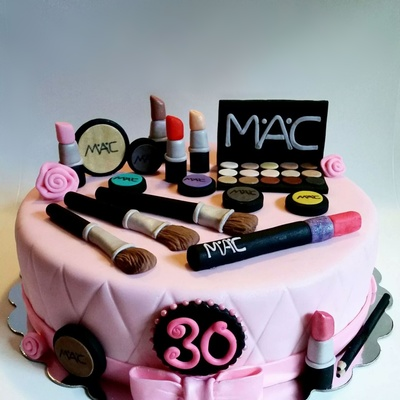 12 Round Chocolate Makeup Cake
