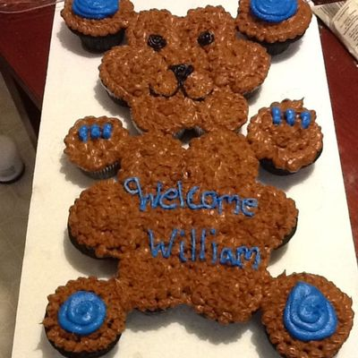 This Is A Teddy Bear Cupcake Cake The Cupcakes Are Blue Velvet With Buttercream Frosting