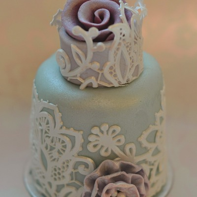 Mini Cake Covered With Edible Crystal Candy Cake Lace