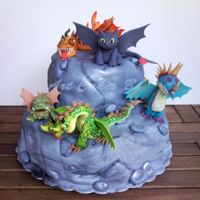 Cake : How To Train Your Dragon ; Dragons: Riders Of Berk ; Dragons: Defenders Of Berk