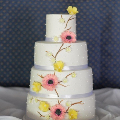 Gerberas And Wild Flowers Cake