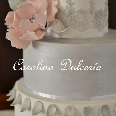 Peony And Silver Details Cake