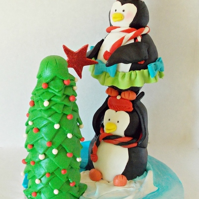 Christmas Theme Penguin Cake
