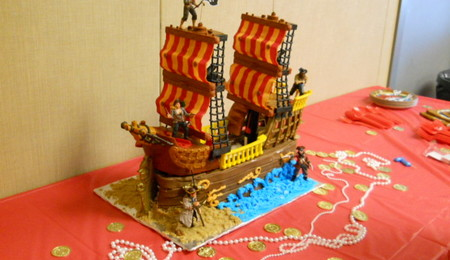 Wrecked Pirate Ship Cakes