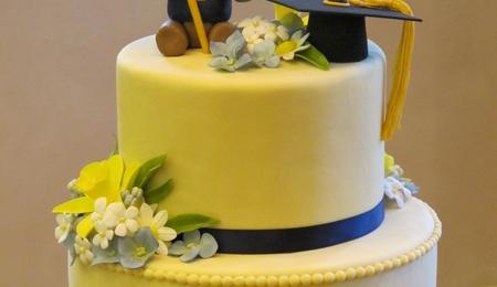 Graduation cap Cake Decorating Photos
