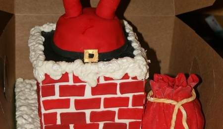 Olaf Santa stuck in chimney cake