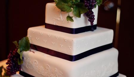 Cake Decorating Classes Grande Prairie : My First Fondant Wedding Cake - CakeCentral.com