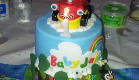 Tractor Cake CakeCentralcom