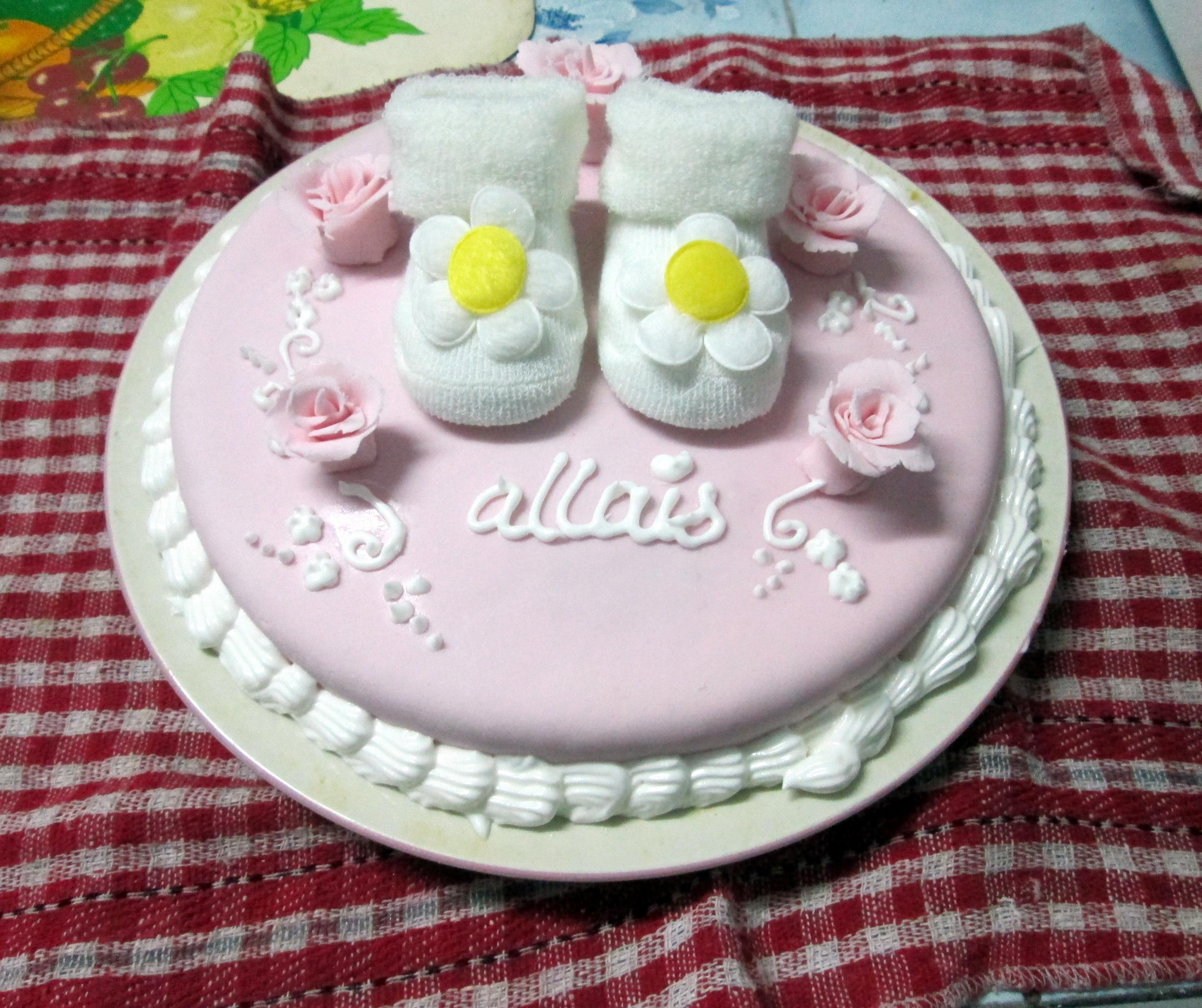 Birthday Cake Decorating Photos