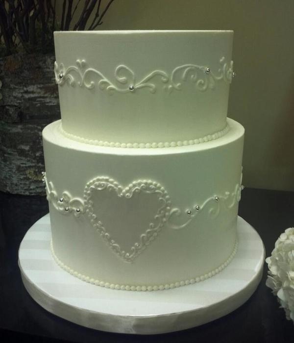 Bc Frosting With Piped Scroll N Fondant Heart