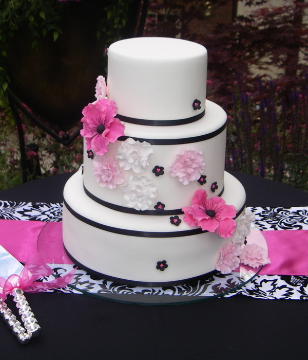 Black & Pink Wedding Cake