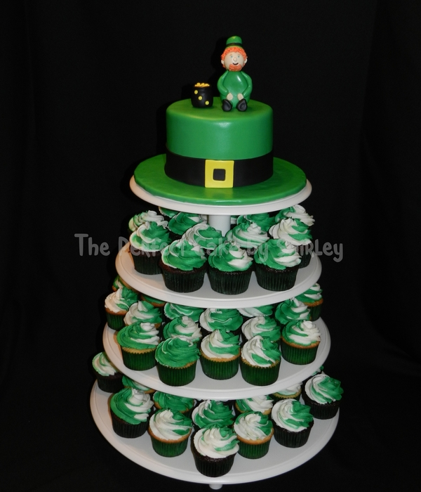 St. Patrick's Day Cake And Cupcakes