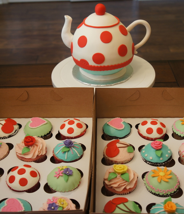 Teapot Cake And Cupcakes For A Tea Party