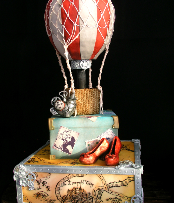 My Steampunk Wizard Of Oz Wedding Cake Sugar Veil Net Modelling Chocolate Shoes And Tin Man Heart Map Of Oz Hand Drawn With Edible Ink