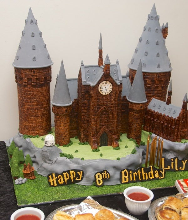 Lily's Harry Potter Cake