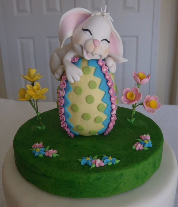Gumpaste Easter Rabbit