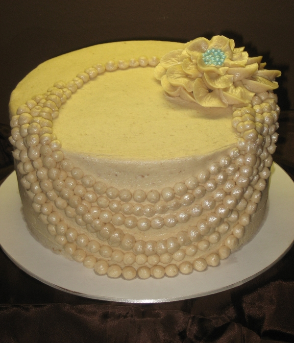 Pearl Necklace Cake