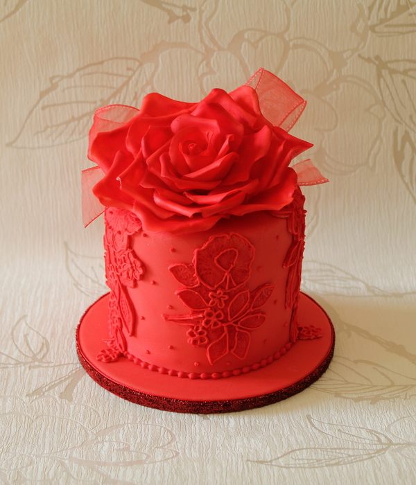 Bride I Made A Cake For Last Year Came Back And Requested The Top Tier Be Re Made In Red