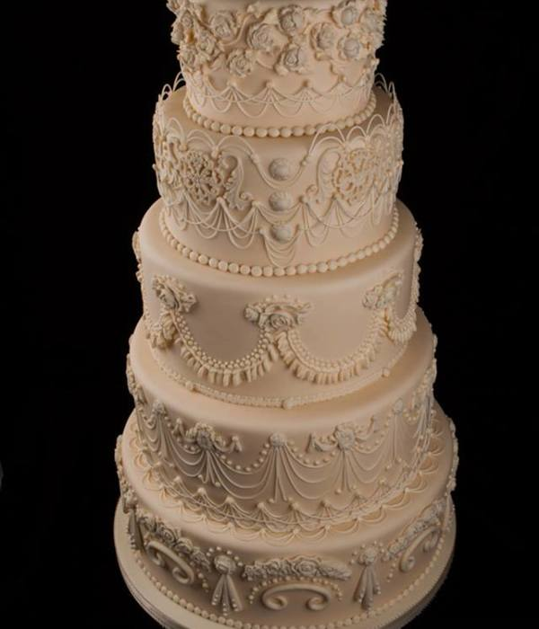 String Work Wedding Cake