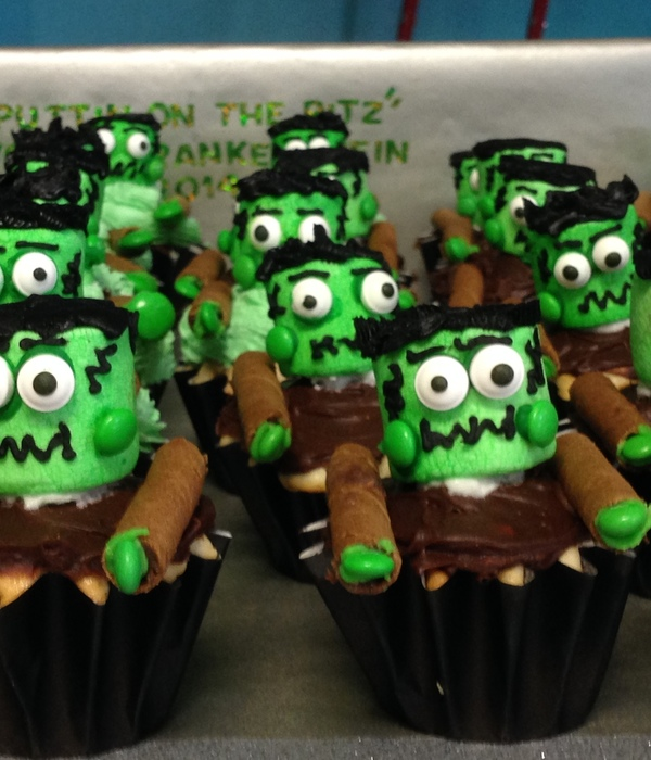 Young Frankenstein Cupcakes For High School Production...