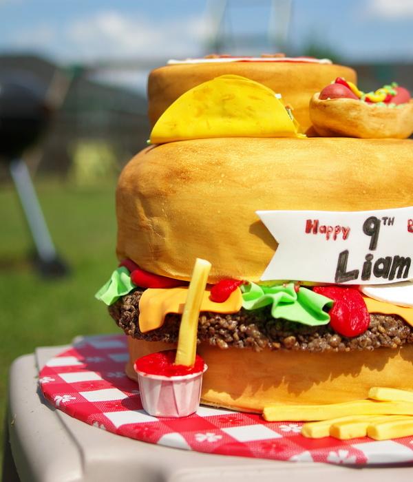 Hamburger Cake Decorating Photos