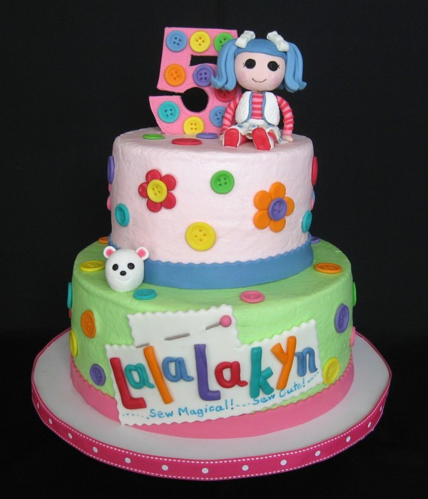 The Blue Haired Lalaloopsy Doll Is The Birthday Girls Favorite I Did A Play On The Lalaloopsy Logo Using Her Name Buttercream With Fondan