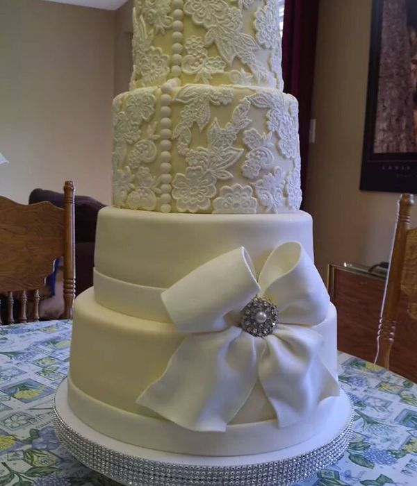 Wedding Cake Using Lace Mold The Bride A Family Freind...