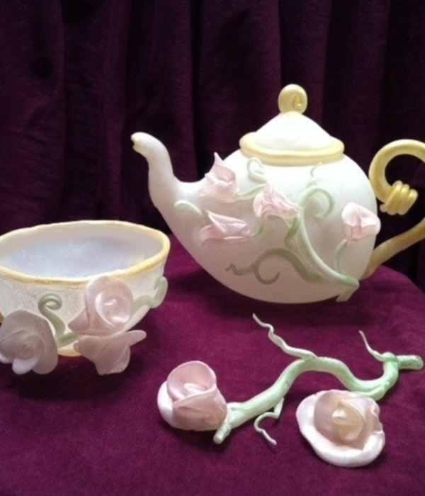 Blown Sugar Isomalt Tea Pot Amp Cup With Pulled Sweet Peas