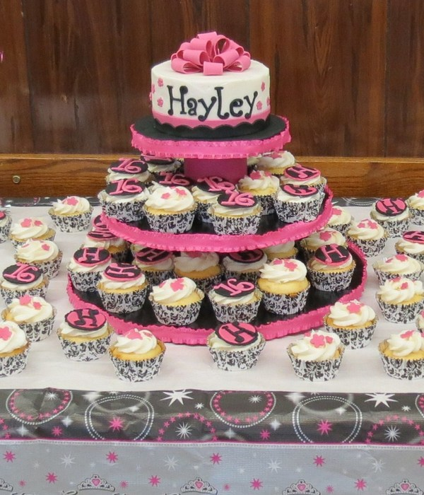 Sweet 16 Birthday Cake For My Niece She Did The Cupcake Decorations Handmade Stand