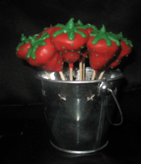 Strawberry Cakepops