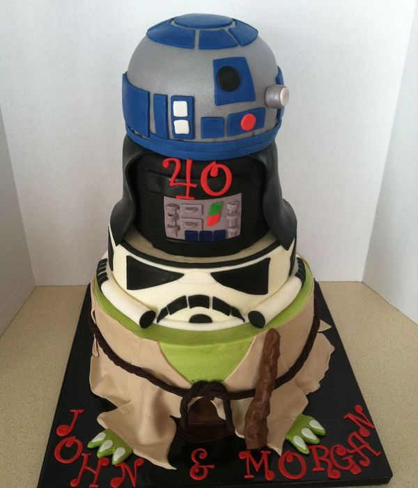 May 40 Be With You Bottom Tier 10Buttercream With Fondant Darth And R2D2 Covered In Fondant Airbrushed Silver Fondant Accents Clone Tr
