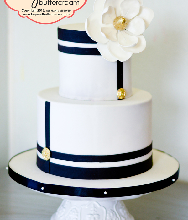 Black And White Modern Cake