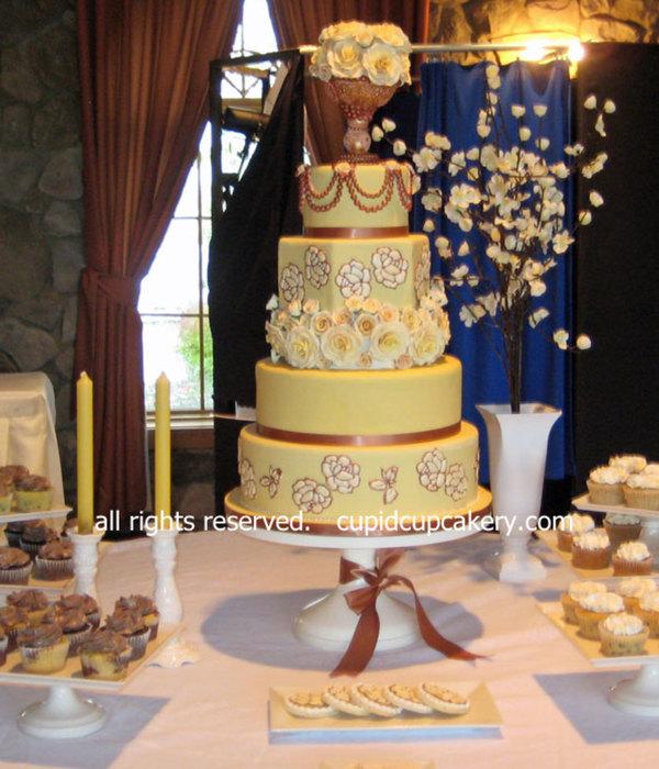 Royal wedding cake Photos