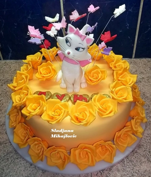 Marie Cat, Aristocats, Yellow Roses, Butterflies