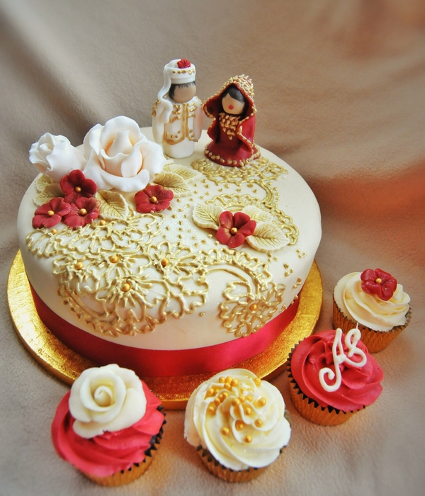Red&gold Wedding Cake&cupcakes