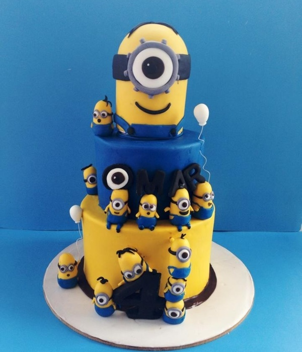 Minion Theme Birthday Cake The Minions Were All Created Using Fondant