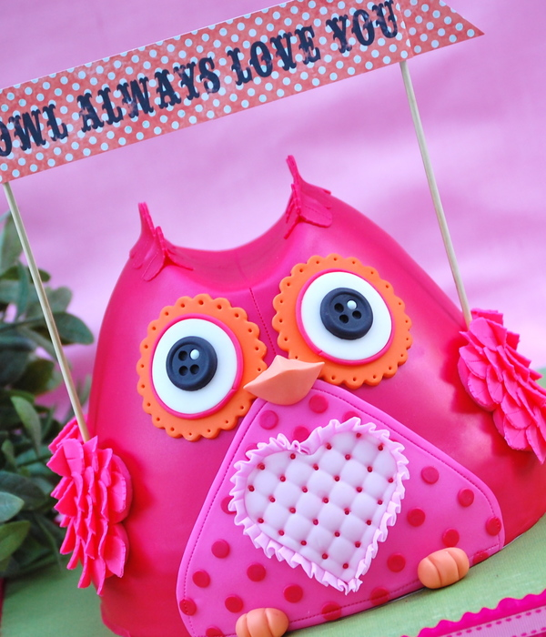 A Valentines Day Owl Made In The Wilton Wonder Mold For Those Of You Not Familiar With This Mold Its A Bell Shaped Pan Similar Im Tol