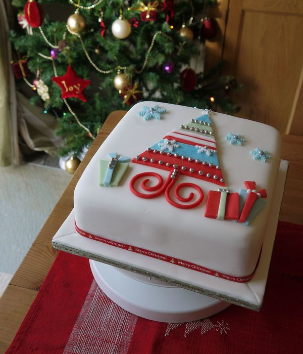 traditional british christmas cake rich brandy soaked fruit - British Christmas Cake Decorations