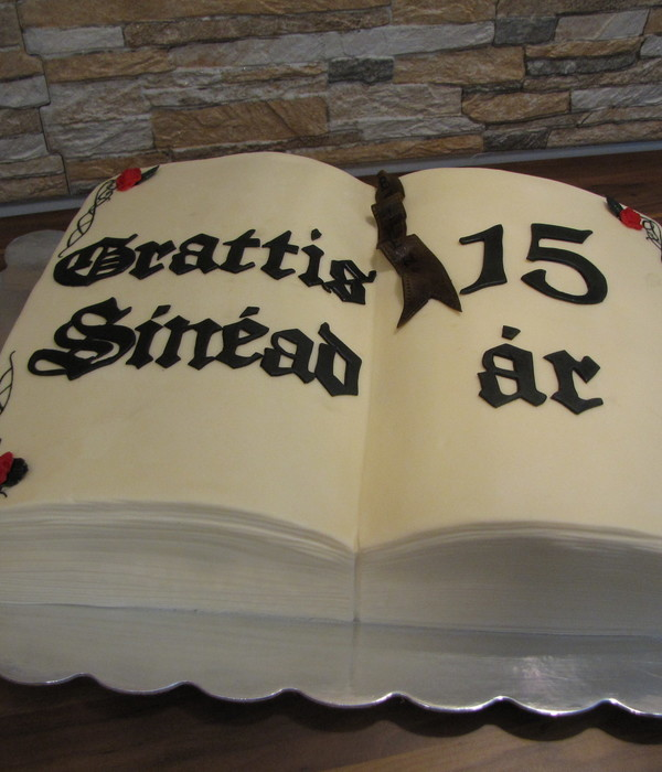 Excellent Top Book Cakes Cakecentral Com Personalised Birthday Cards Xaembasilily Jamesorg